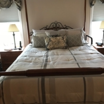 Keller Queen bedroom set in mint condition with Sleep Number mattress