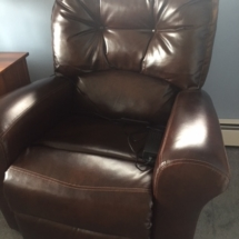 Like new Cat Napper Lift Chair by Jackson Mfg