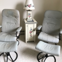 Vintage stressless Ekorne chairs