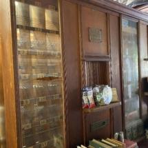 Antique postal unit